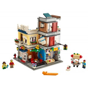 Lego Creator 3-in-1 Townhouse Pet Shop & Café - Sale