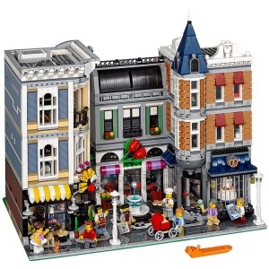 Lego Creator Expert Assembly Square - Sale